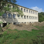 Schule noch ohne Terrasse
